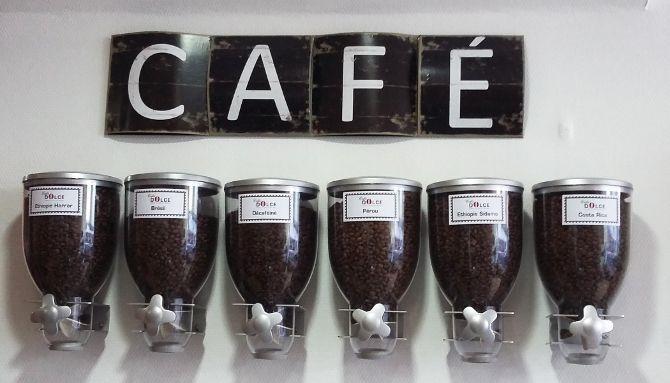 Cafés Dolce 4/6 : Déclinaison d'étiquettes adhésives coordonnées